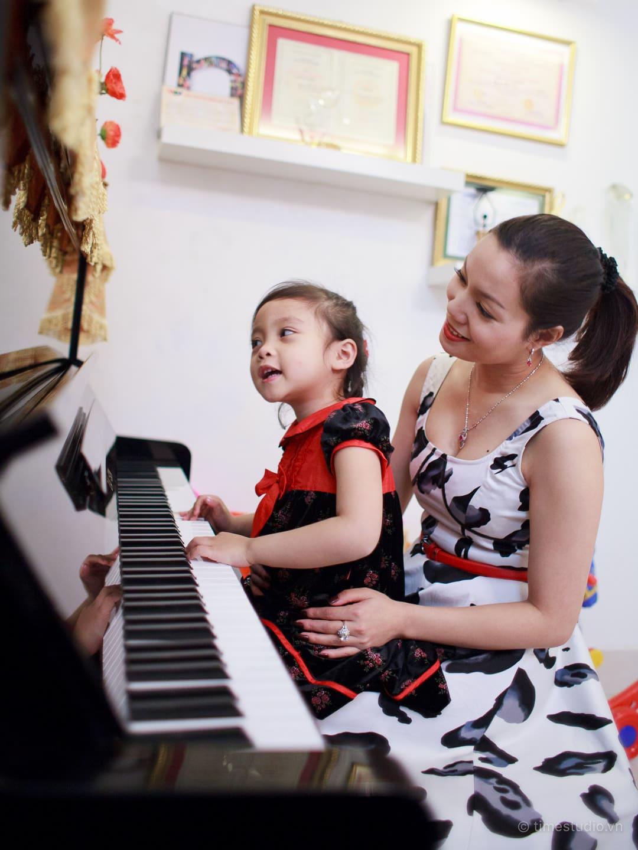 Mẹ con ca sĩ Ngọc Anh