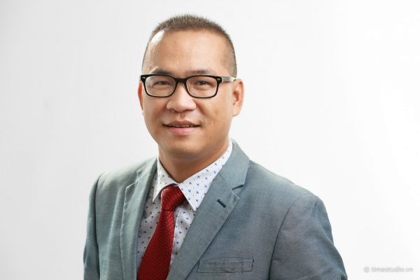 Chân dung Nghề nghiệp (Corporate / Business Portraits)