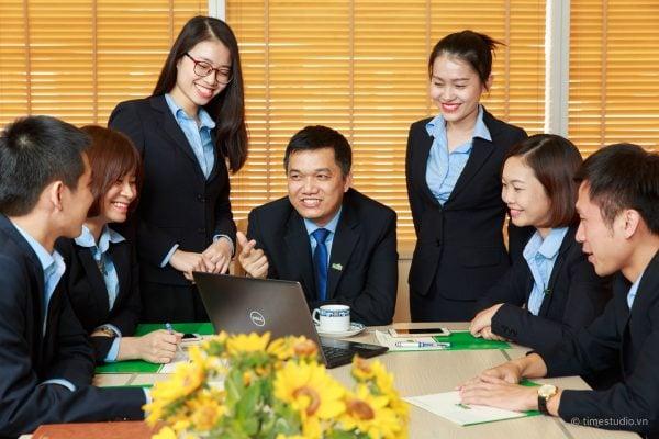 Doanh nghiệp & Thương mại (Corporate & Commercial)